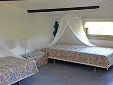 Grote slaapkamer voor 2 personen eerste verdieping